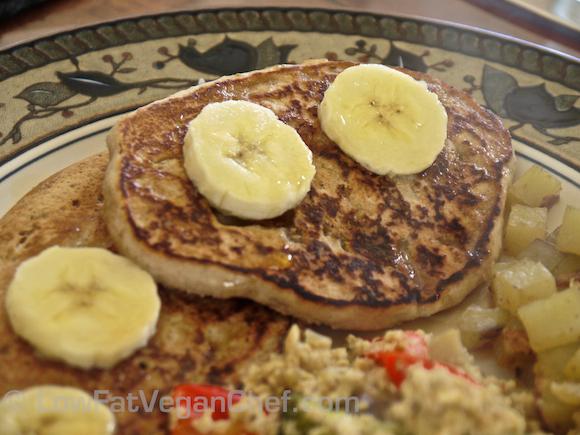 The Best Ever Low Fat Vegan Banana Pancakes!